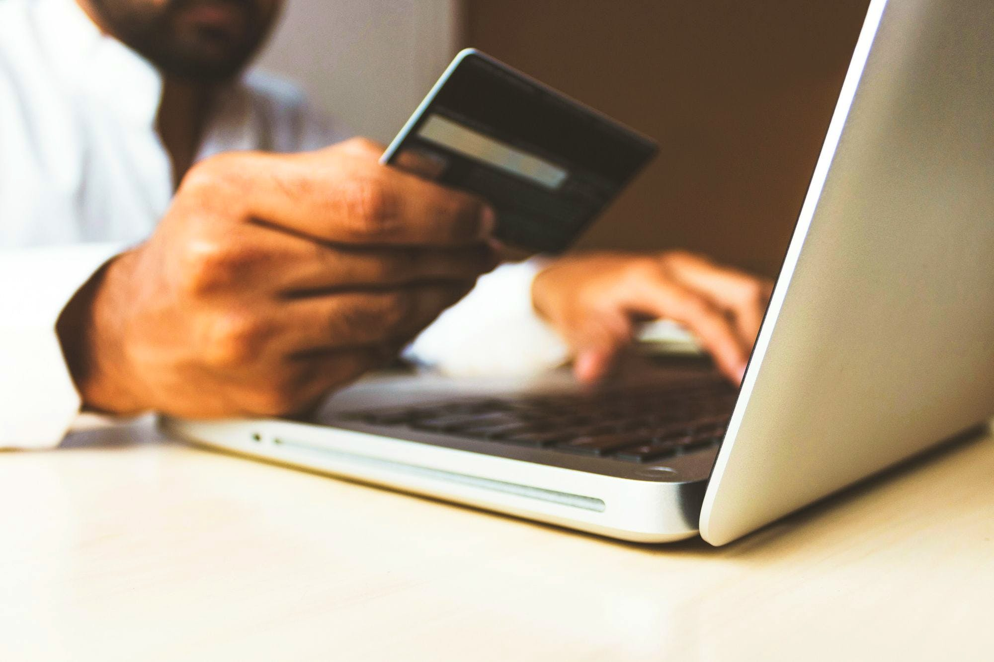 How to Build an Efficient E-Commerce Strategy in 4 Steps, According to 7Shifts' Justin Holmes