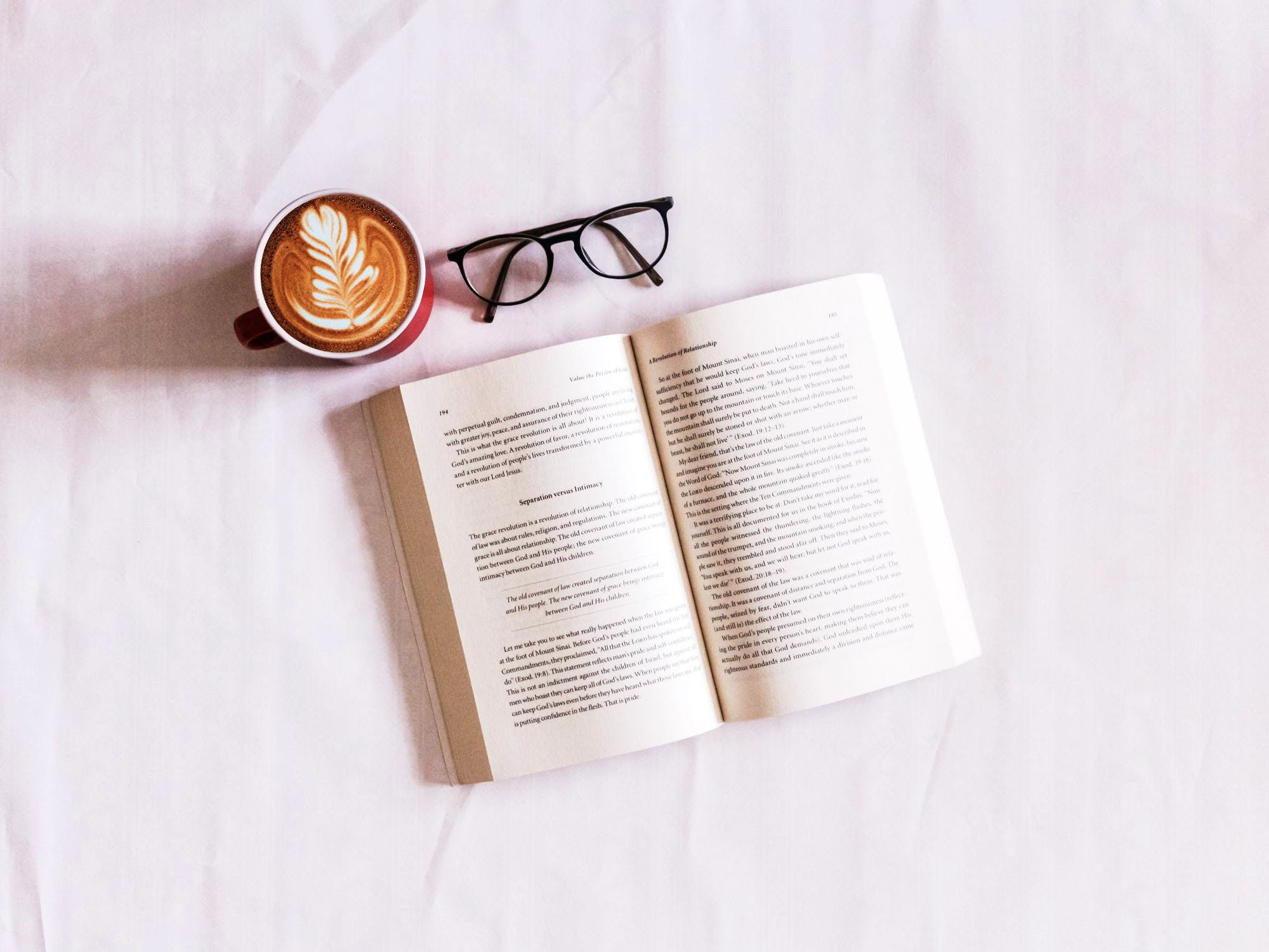 5 Books All Entrepreneurs Should Read According to Labs Mentors